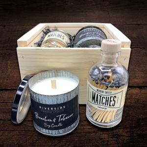Relax and unwind with this Bourbon & Tobacco soy candle made by Riverside Candle Studio. Use these s