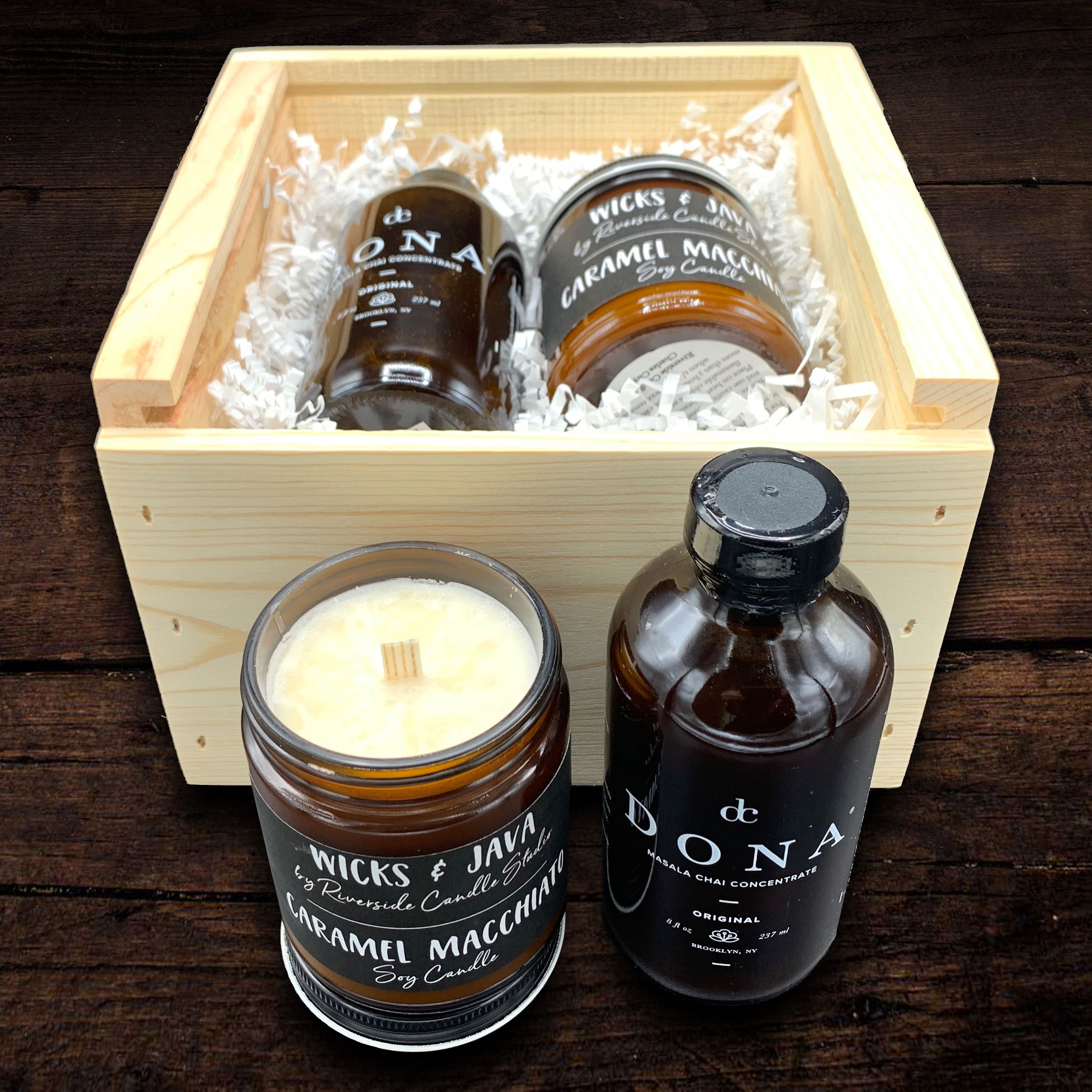 Perfect for any coffee lover, this gift box contains a deliciously scented caramel macchiato coffee