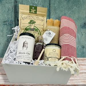 Thanksgiving dinner in a box!  No crazy relatives included! :) This curated box will be a hit with
